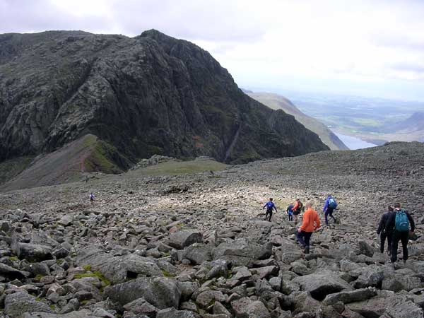 Descending off Scafell Pike, heading for Mickledore and Broad Stand.